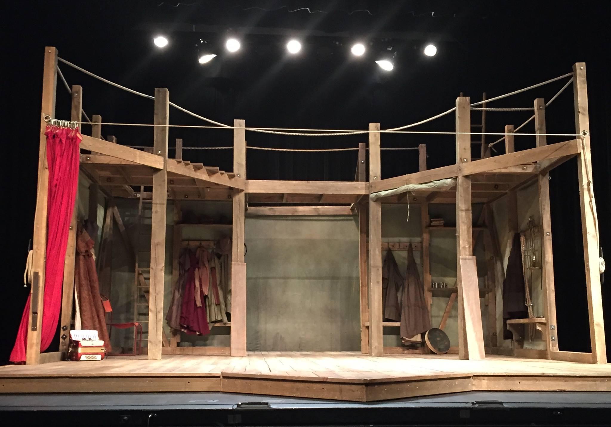 King Lear set (courtesy: Cathy Lewis)
